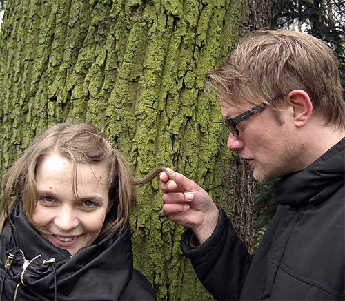 Hildur Guðnadóttir & Dirk Dresselhaus sind Mr. Schmuck's Farm