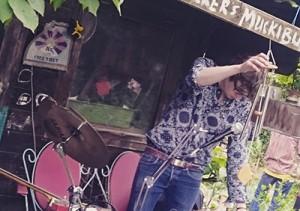 huey-walker-live-fleischervorstadt-flohmarkt-2016-02b_th