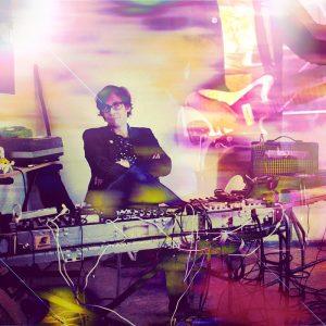 Huey Walker: freie Musik hinter Kabelsalat und Equipment